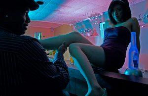 Comment seduire une fille dans un bar